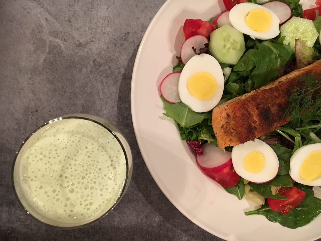Blackened Salmon Salad With Greek Yogurt Dill Dressing